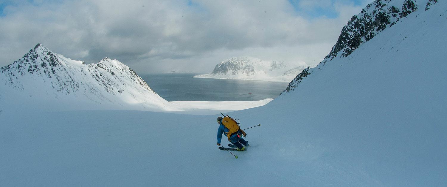 Spitzbergen Skitour vom Schiff mit Powder Abfahrt