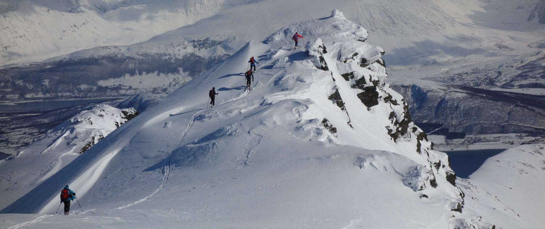Fjorde und Berge