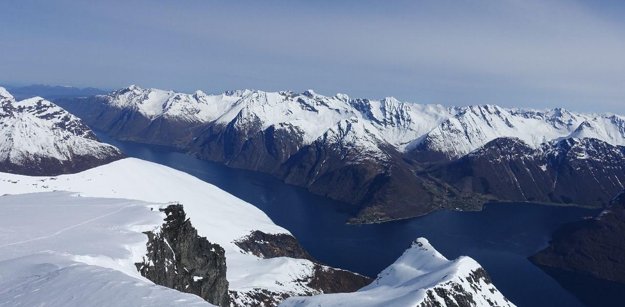 Fjorde in den Sunnmore Alpen