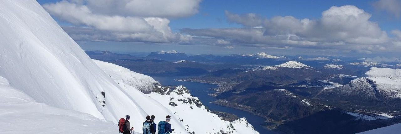 Skitouren mit fantastischen Weitblicken