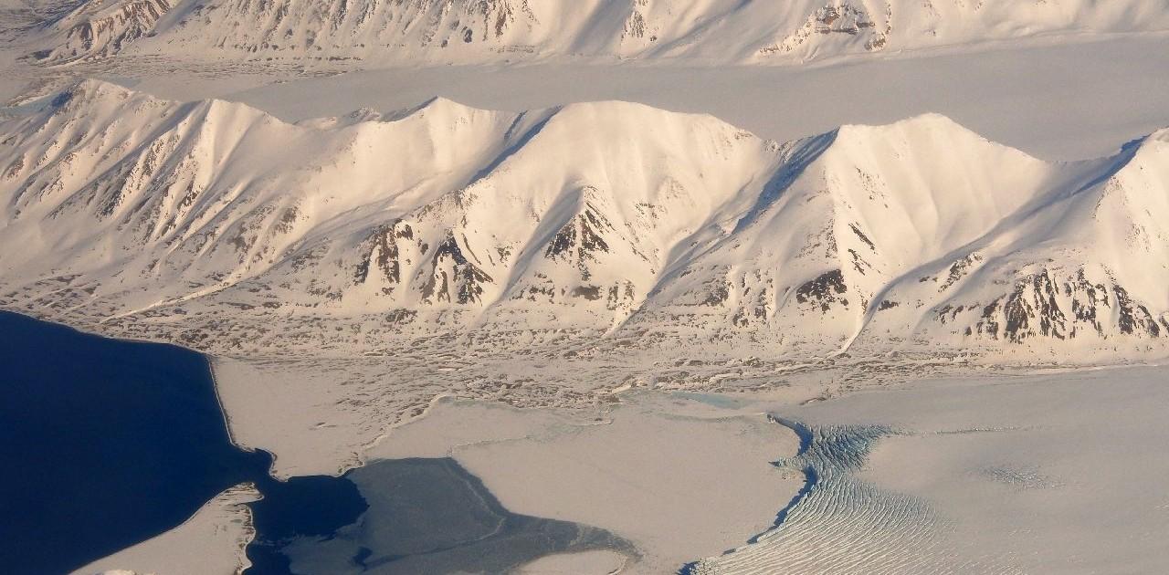 Gewaltige Gletscher Svalbad