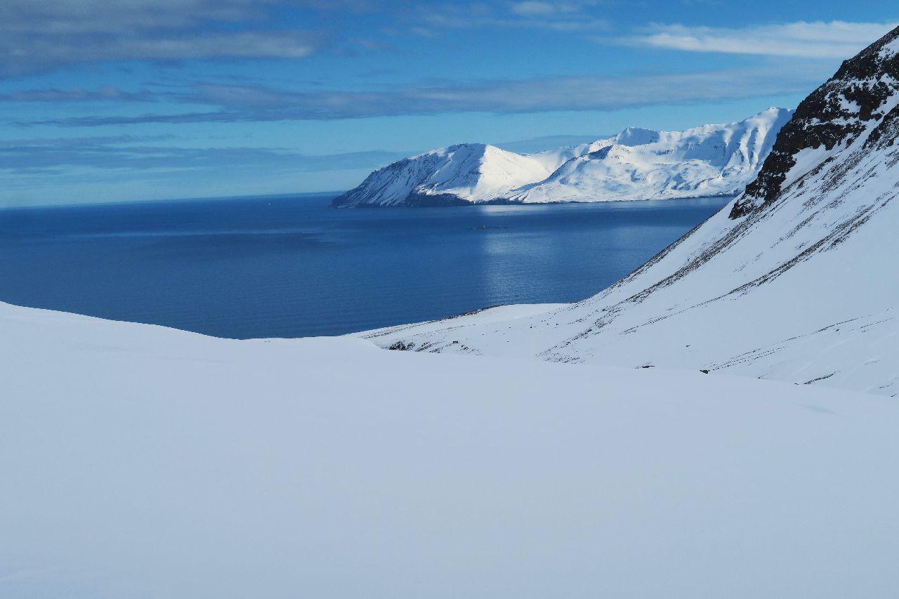 Geniale Skitourenberge erwarten uns auf unserer Skitourenreise in Island