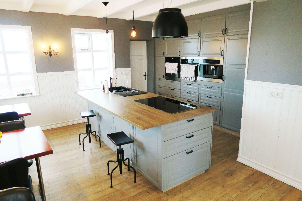 Neue und großzügige Wohnküche in unserem Ferienhaus auf Island