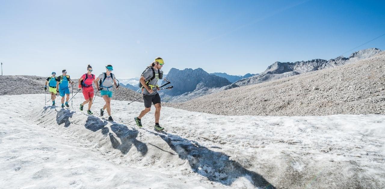 Schneefeld während der Speedtransalp Garmisch Meran