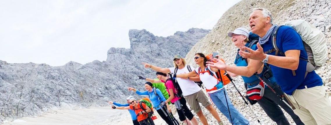 Das Ziel fest im Blick auf der Wanderung Zugspitze via Reintal