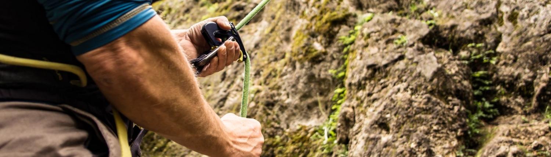 Der richtige Kurs um das Klettern am Fels zu lernen