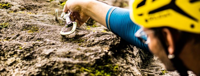 Vorstiegs-Klettern richtig lernen im Kletterkurs Bayern
